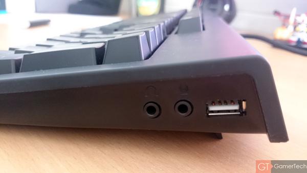 Port USB et Jack Audio sur le clavier
