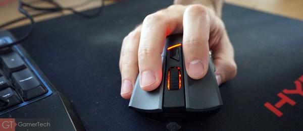 Souris gaming avec bonne ergonomie