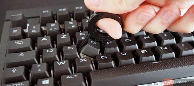 Pince pour retirer les touches du clavier
