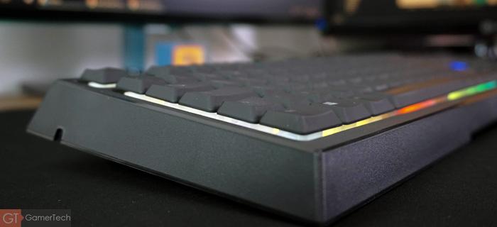 Touches mi-hauteur sur clavier gamer