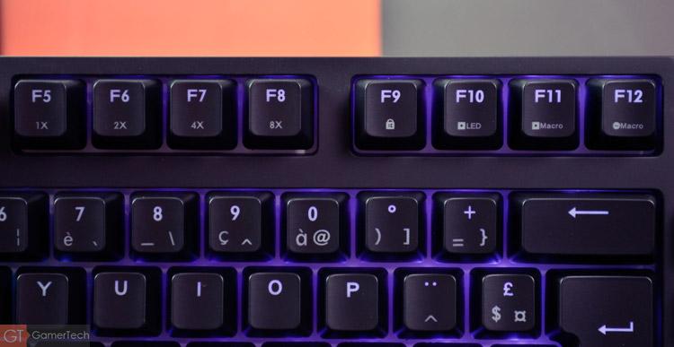 Les touches F1 à F12 permettent d'effectuer des actions secondaires