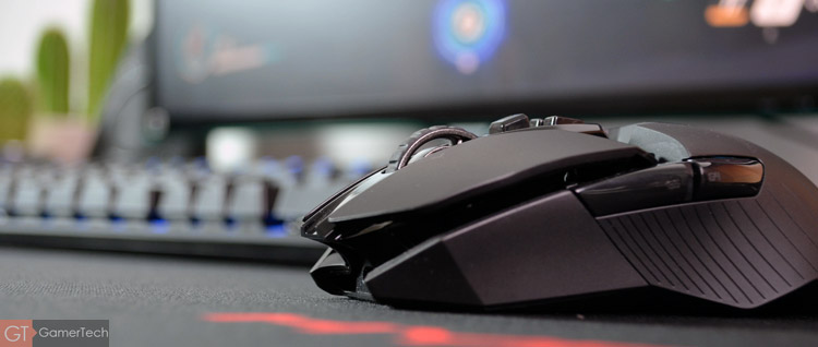 La souris permet de jouer sans-fil et sans latence