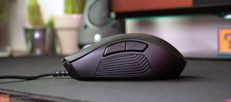 razer naga trinity test enfin une souris mmo polyvalente. Black Bedroom Furniture Sets. Home Design Ideas