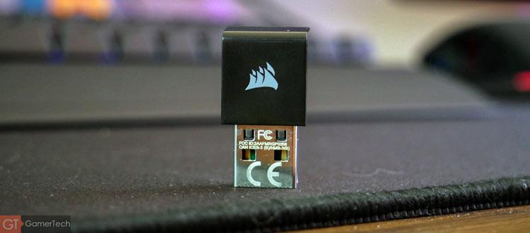 Dongle USB pour connecter le clavier sans-fil de Corsair Gaming