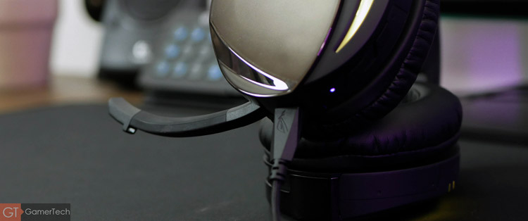 Le micro du casque peut pivoter et couper automatiquement la capture