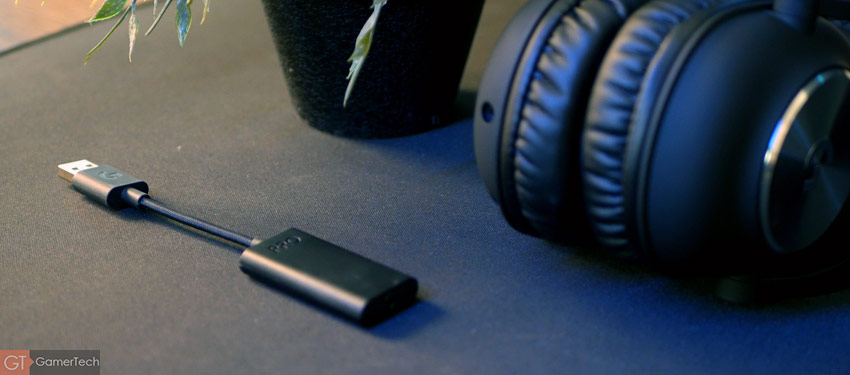 Le casque est livré avec une carte son USB