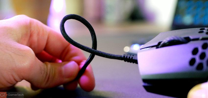 Le câble est très souple et flexible