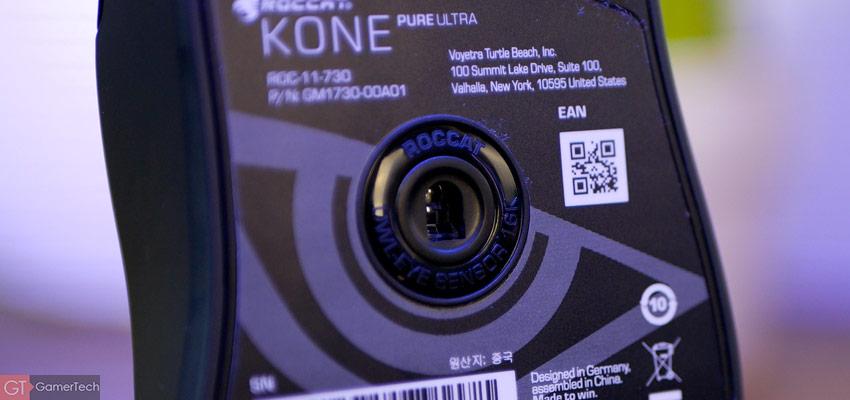 Zoom sur le capteur optique de la souris Roccat Kone Pure Ultra
