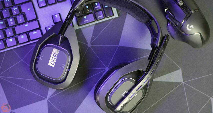 Le casque A50 accompagné du clavier Logitech G915 et souris Logitech G502 Lightspeed
