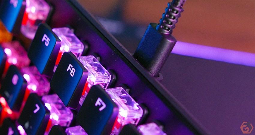Zoom sur les keycaps du Roccat Vulcan TKL Pro