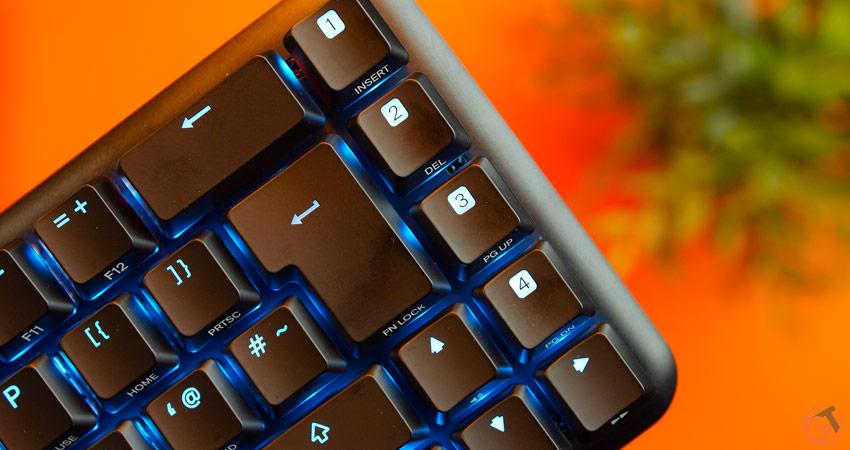 Les touches de macros supplémentaires du clavier 65%