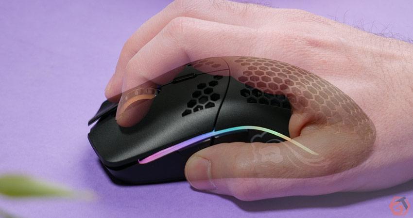 Ergonomie et prise en main de la Model O Wireless