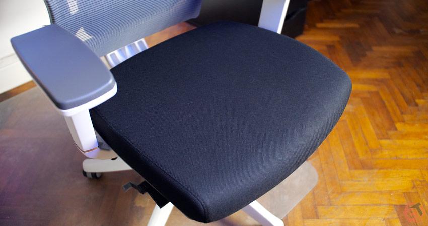 Le rembourrage de l'assise manque de fermeté