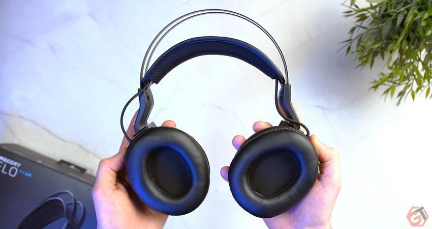 Les oreillettes sont confortables et s'adaptent aux joueurs portant des lunettes