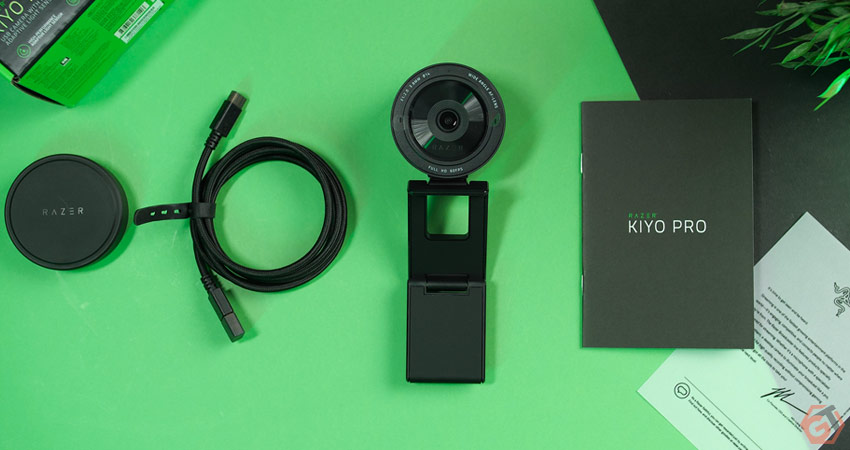 Unboxing webcam Razer Kiyo Pro